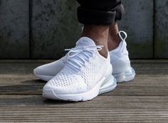 688afaa4143 basket Nike Womens Air Max 270 Triple Blanc AH6789-102 on feet (3)