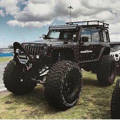 Jeep ☣ - Everything About Off-Road Vehicles Jeep Suv, Jeep Truck, Jeep Rubicon, Jeep Wrangler Unlimited, Jacked Up Trucks, Big Trucks, Lifted Jeeps, Jeep Baby, Badass Jeep