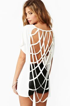 SO love this cutout tee from Nasty Gal! Must have...