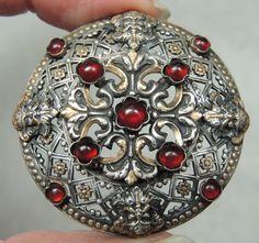Metal Openwork Button w 4 Heads Ruby Glass Cabochons | eBay