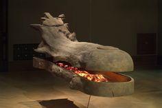 Plavidlo | dřevo, světlo | 122 x 100 x 386 cm | 2004 | Obr.: 1/4 Lion Sculpture, Objects, Statue, 3d, Sculpture, Sculptures