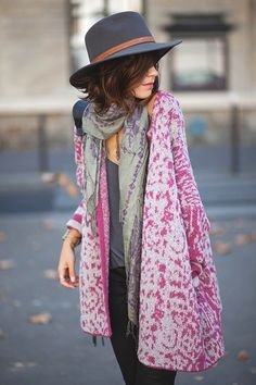 Sweet Kimono Chic Outfit Ideas  (10) she looks like she could be some spawn of Steven Tyler