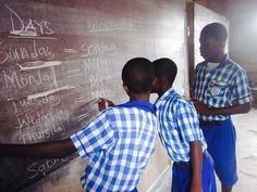 #Ghana#kasoa#maranathaschool#bluewhite#teaching#lesson#english#german#boys#learning#students