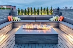 Outdoor, Contemporary Deck With U Shaped Bench Seating Around Modern Gas Fire Pit: Furniture for Horizontal House Construction Exterior Idea Fire Pit Seating, Backyard Seating, Fire Pit Backyard, Backyard Patio, Seating Areas, Deck Bench Seating, Backyard Landscaping, Backyard Ideas, Benches