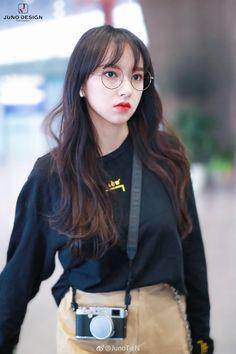 Cheng Xiao Kpop Girl Groups, Kpop Girls, Korea Makeup, Air Force Blue, Cheng Xiao, Cosmic Girls, Girl Bands, Girls Club, Beautiful Asian Girls