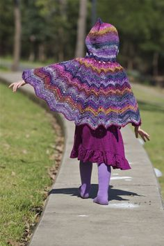 Hooded Toddler Crochet Cape...um, mom????? Emily needs one of these :)