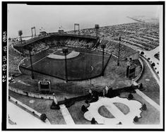 Aerial View During Baseball Game, From Southeast, ca. 1940 – Roosevelt Stadium, State Route 440 & Danforth Avenue, Jersey City, Hudson County, NJ. Photo from Historical American Building Survey, ca. 1940. Prints and Photographs Division, Library of Congress.