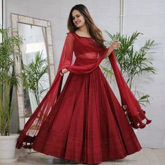 Party Wear Indian Dresses, Indian Gowns Dresses, Indian Bridal Outfits, Indian Bridal Fashion, Dress Indian Style, Indian Fashion Dresses, Indian Designer Outfits, Bridal Dresses, Designer Dresses