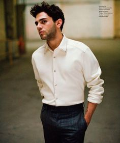 Actor and director Xavier Dolan photographed by Shayne Laverdière, for the latest coverstory of Essential Homme magazine. Xavier Dolan, Welcome To The Family, Fashion Photography, Menswear, Men Casual, Celebs, Mens Fashion, Poses, Actors