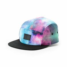 Snag a spacy look perfect for summer events and adventures with the Vans Girls Cosmic black 5 panel hat. Stand out in a crowd with the cosmic galaxy print body accented by a black bill with an adjustable strapback sizing piece so the Vans Girls Cosmic 5 p