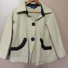 Stylish coat Beige and brown button coat 77% wool 23% nylon great shape Jones New York Jackets & Coats