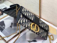 Christian Dior clutch oblique 30 Montaigne chain shoulder bag Dior Clutch, Dior Bags, Chain Shoulder Bag, Christian Dior, Clutches, Gucci, Fashion, Dior Handbags, Moda