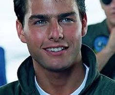 Young Tom Cruise in Top Gun