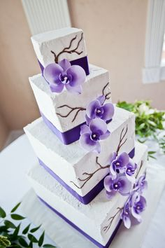 Wedding cake without fondant...I'm thinking fondant would look cleaner.  No branches for me.