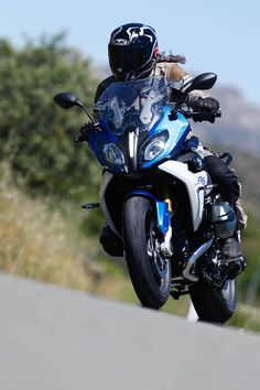 BMW R 1200 RS 2015: irRSistible