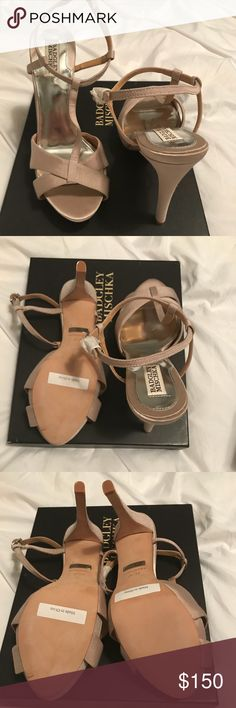"""NWT Badgley Mischka Women's Indigo II- Taupe NWT. Brand new.  Open to reasonable offer.  Comes in box and with 2 heel tips Heel measures approximately 4.25"""" Platform measures approximately 0.75"""" Badgley Mischka Shoes Heels"""