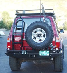 """The tire carrier is designed to accommodate up to a; 37"""" tire, with adjustability on the width. In addition, the tire carrier also has brack..."""