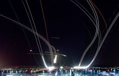 Long Exposure Photos of Planes Taking Off and Landing at SFO