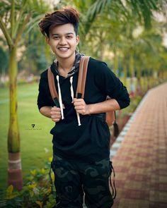 Handsome Boy Photo, Cute Boy Photo, Handsome Boys, Cute Boys Images, Stylish Girl Images, Stylish Boys, Boy Pictures, Boy Photos, Photo Pose For Man