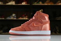 quality design 751da 38ec2 Womens Air Jordan 1 Retro High SOH Sunblush White-Metallic Gold AO1847-640  New · New Nike ...
