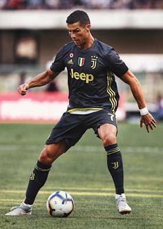 Cristiano Ronaldo Photos - Cristiano Ronaldo of Juventus in action during the Serie A match between Chievo Verona and Juventus at Stadio Marc'Antonio Bentegodi on August 2018 in Verona, Italy. Juventus - Serie A Cristiano Ronaldo Cr7, Cristiano Ronaldo Wallpapers, Cristino Ronaldo, Neymar, Football Icon, Football Is Life, Champions League, Cr7 Jr, Real Madrid