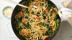 One Pot Lemon Pepper Chicken Pasta. This easy one-pot pasta is full of lemon-pepper chicken, spaghetti and fresh baby spinach, and is perfect for a weeknight dinner. Add a green salad and warm crusty bread, and you're all set! Pasta Recipes, Chicken Recipes, Dinner Recipes, Cooking Recipes, Healthy Recipes, Dinner Ideas, Fish Recipes, Lunch Recipes, Summer Recipes