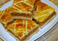 Házias almás pite receptje | Mindmegette.hu Hungarian Desserts, Hungarian Cake, Hungarian Recipes, Fun Desserts, Dessert Recipes, Easy Sweets, French Bakery, Eat Seasonal, Sweet Pastries