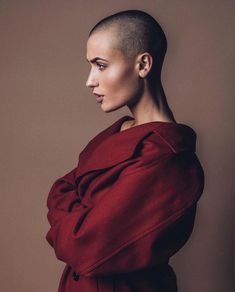 bald head tips Shaved Head Women, Girls With Shaved Heads, Shaved Head Girl, Buzz Cut Women, Buzz Cuts, Short Hair Styles, Natural Hair Styles, Shave My Head, Bald Hair