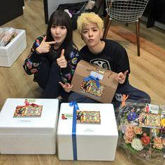 Red Velvet Wendy & f(x) Amber Wendy Red Velvet, Sulli, Krystal, Korean Girl Groups, Amber, Boobs, Daughter, Kpop, Crystal