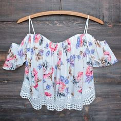 boho chic off the shoulder crop top with lace trim (more colors) - shophearts - 1