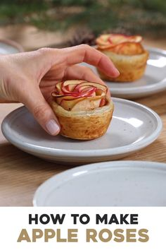 Apple Roses-Apple Roses Making pretty apple roses is easier than you think. These puff pastry apple rosettes come together in less than an hour. They taste like individual apple pies. Apple Desserts, Apple Recipes, Baking Recipes, Sweet Recipes, Apple Snacks, Individual Apple Pies, Individual Desserts, Unique Desserts, Fancy Desserts