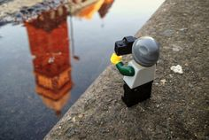 A Lego minifig travels and takes pictures in this simple and engaging series by Andrew Whyte. Lego Photography, World Photography, Photography Projects, Creative Photography, Conceptual Photography, Artistic Photography, Amazing Photography, Legos, Lego Pictures