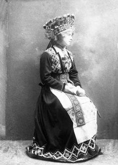Свадебный норвежский национальных костюм.