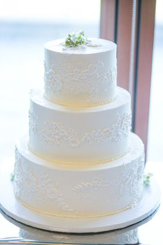 Lace detailed wedding cake: http://www.stylemepretty.com/california-weddings/2014/11/21/family-infused-old-ranch-country-club-wedding-on-a-budget/   Photography: Closer to Love - http://closertolovephotography.com/