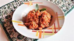 Il Risotto rosso piace moltissimo ai bambini perché ricorda la pappa al pomodoro. Nutriente e gustoso è un buon primo piatto che si abbina bene a tutto.