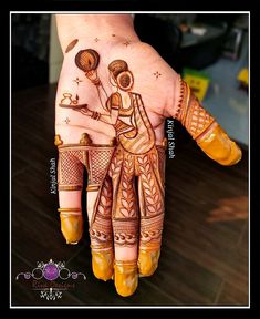 Celebrate this festival of love with unique and trendy karwa chauth mehndi designs for They will make your look stand-out on this festival. Basic Mehndi Designs, Latest Bridal Mehndi Designs, Indian Mehndi Designs, Stylish Mehndi Designs, Mehndi Designs For Girls, Mehndi Designs For Beginners, Mehndi Design Photos, Wedding Mehndi Designs, Beautiful Mehndi Design