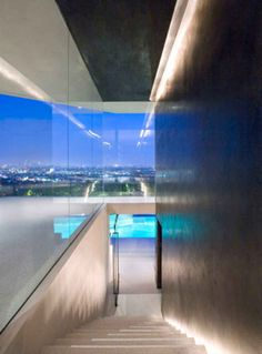 Beautiful Open House in Hollywood Hills with Panoramic Views - UltraLinx