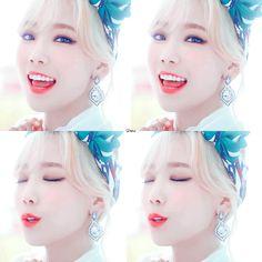 Ohhhhh yeah, I'm so beautiful! I love her white skin!!!