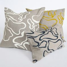 soft texture contrast for bedroom pillows Pillow Patterns, Print Patterns, Designer Pillow, Abstract Pattern, Home Decor Accessories, Cushion Covers, Swirls, Furniture Decor, Decorative Pillows