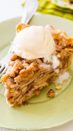 Apple crumble pie - with lots of cinnamon crumbles!  Perfect Summer dessert (or breakfast)!