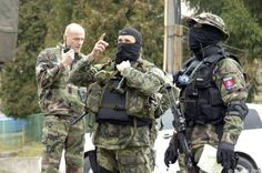 LYNX Commando - the Anti-terrorist unit of Slovakia Tactical Equipment, Tactical Gear, Military Pins, Forex Trading System, Airsoft Gear, Lynx, Special Forces, Countries Of The World, Cops