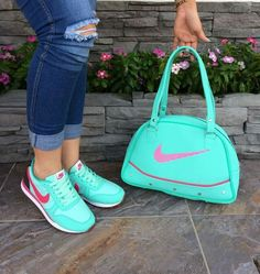 My best choice Sneakers Fashion Outfits, Fashion Shoes, Nike Shoes, Shoes Sneakers, Shoes World, Baskets, Hot Shoes, Shoe Collection, Girls Shoes