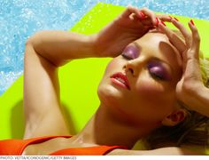 How to Melt-Proof Your Summer Makeup Routine: Professional makeup artist shares all her best tips, tricks, and product recommendations for locking your makeup in place and keeping oil at bay even in t (Best Blush For Summer) Beauty Bar, My Beauty, Beauty Secrets, Health And Beauty, Beauty Hacks, Hair Beauty, Beauty Tips, Beauty Products, Beauty Blogs