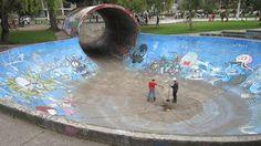 Spot Review: Skateboarding around the world - Quito, Ecuador.