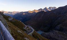 Roadtrips durch Österreich - Die coolsten Routen - Teil 1 | 1000things Innsbruck, Zell Am See, Hallstatt, Roadtrip, Austria, Mount Everest, Mountains, Nature, Travel
