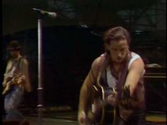 ▶ U2 - I Still Haven't Found What I'm Looking For (Paris Live) - YouTube
