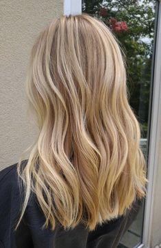 Neutral Blonde Hair, Medium Blonde Hair, Blonde Hair Shades, Dyed Blonde Hair, Honey Blonde Hair, Blonde Hair Looks, Blonde Hair With Highlights, Thick Blonde Hair, Blonde Pink