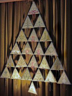 Christmas tree with Renato Parolin designs (brodeuses de Baveno)