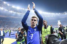 Défait avec l'Equipe de France par le Portugal en finale de l'Euro 2016, Antoine Griezmann a pu (un peu) se consoler avec le titre de meilleur joueur. Le...