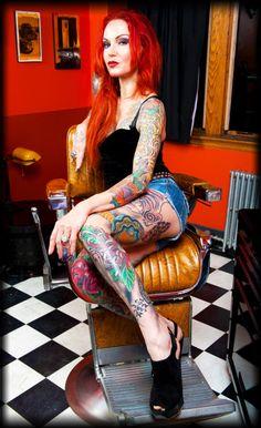 Lea Vendetta of Ink Master season 1... One of my favorite tattoo artist <3